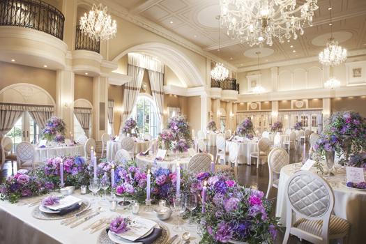 大人可愛いこの邸宅では、可愛らしいコーディネートから上品なコーディネートまで何でも似合います。花嫁をプリンセスに変えるこの空間で、特別な時間を過ごしてください。