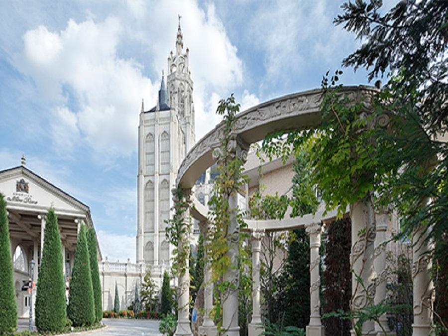 世界遺産をモデルとする大聖堂。