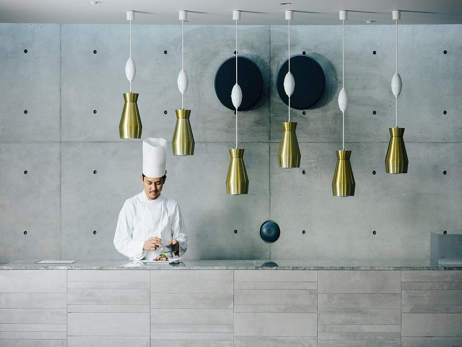 オープンキッチンも完備。美味しいお料理を美味しいうちに。