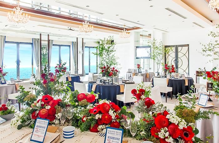 白×オーシャンビューがつくり出す自然体な空間はオープンテラス付きの貸し切りスタイル