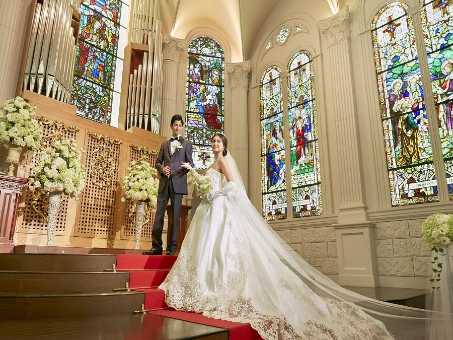 関西屈指の壮大なスケールの大聖堂 自由度の高いオリジナルウェディング