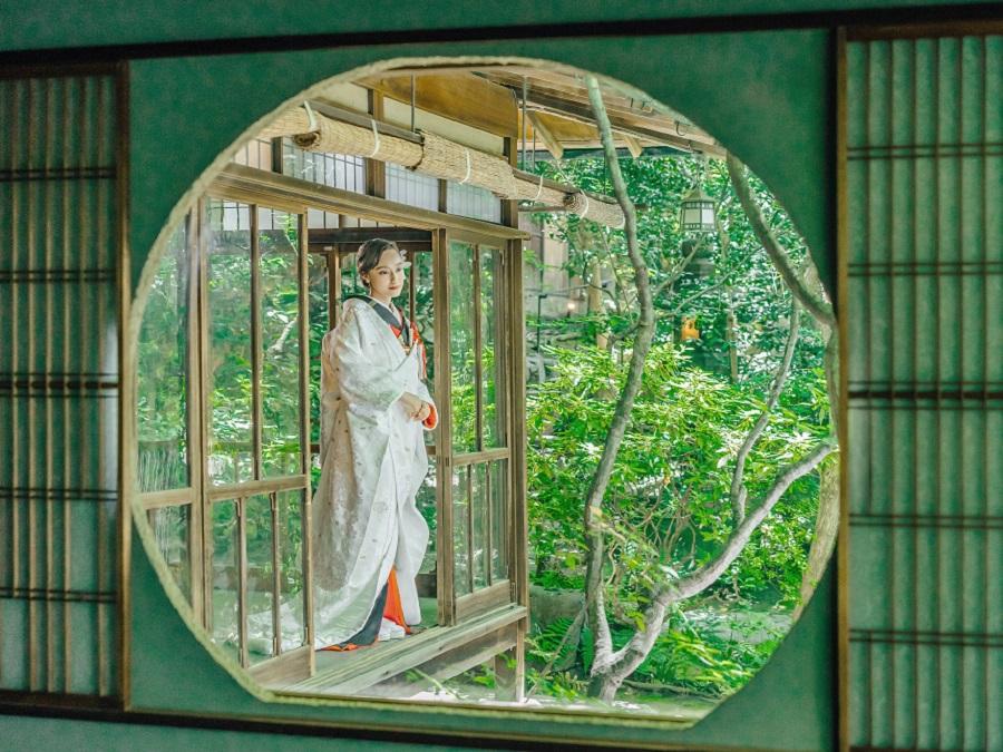 東山700坪の森に佇む、古都の洗練と美しい緑が息づく歴史深い銅(あかがね)の美邸