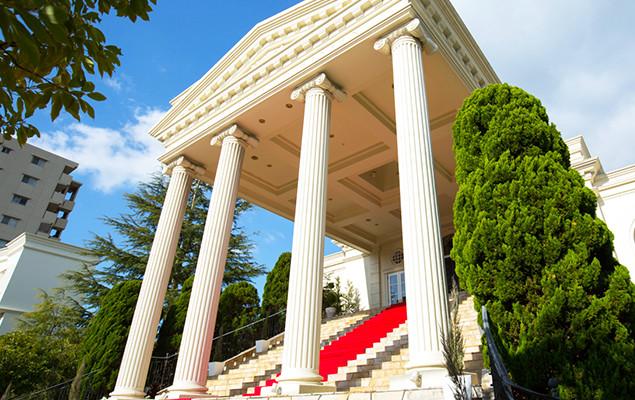 優雅な別荘で楽しむ、結婚式の理想形
