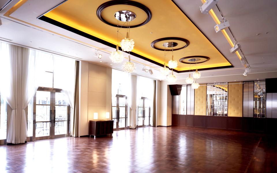 ホテル1階を貸切できる、溢れるナチュラルな空間