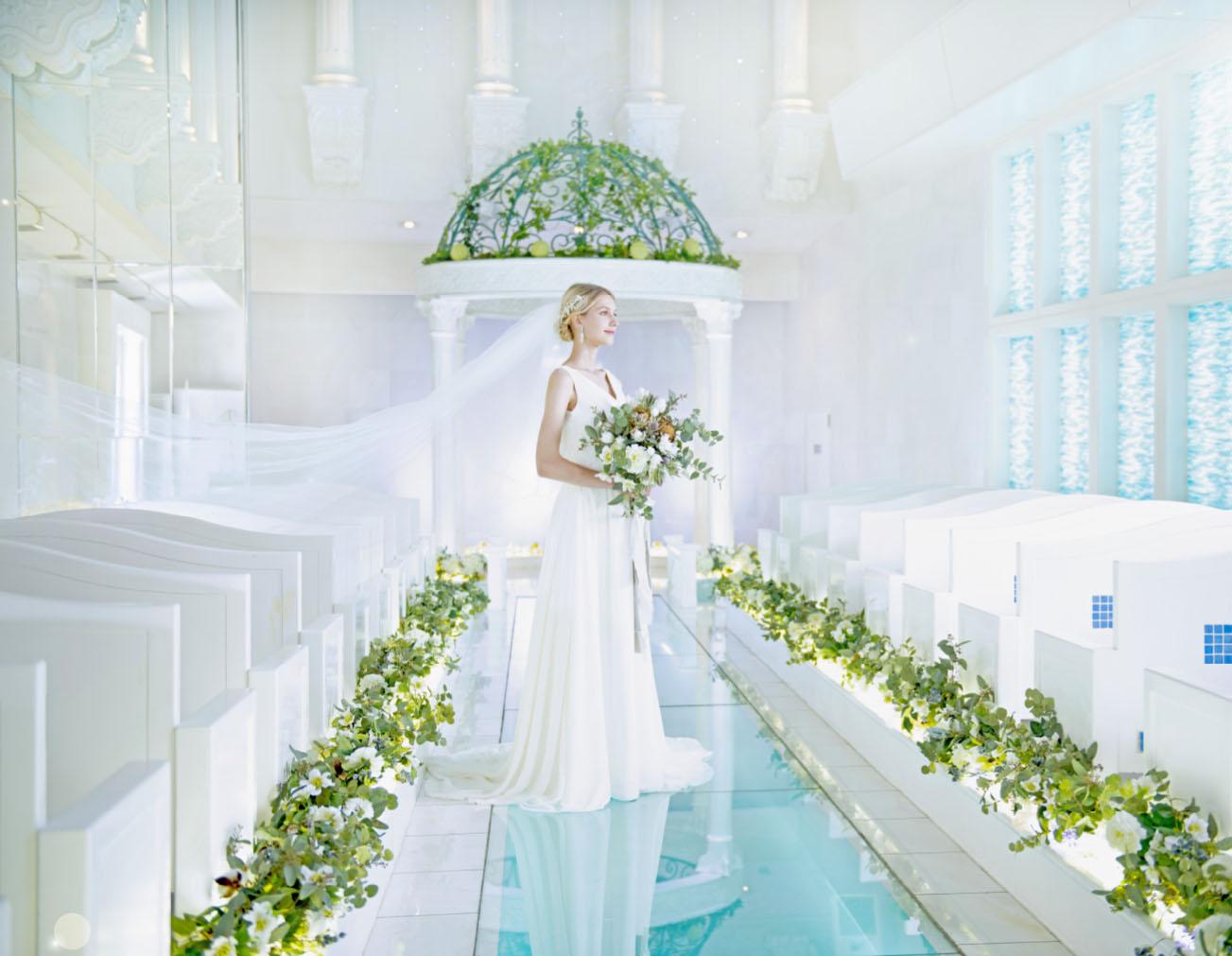 純白の空間に降り注ぐ 祝福の光