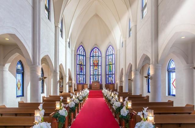 花嫁憧れの独立型の大聖堂で叶える特別な一日