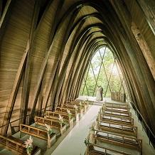 奈良でお二人らしい結婚式が叶うイリスウォーターテラスあやめ池